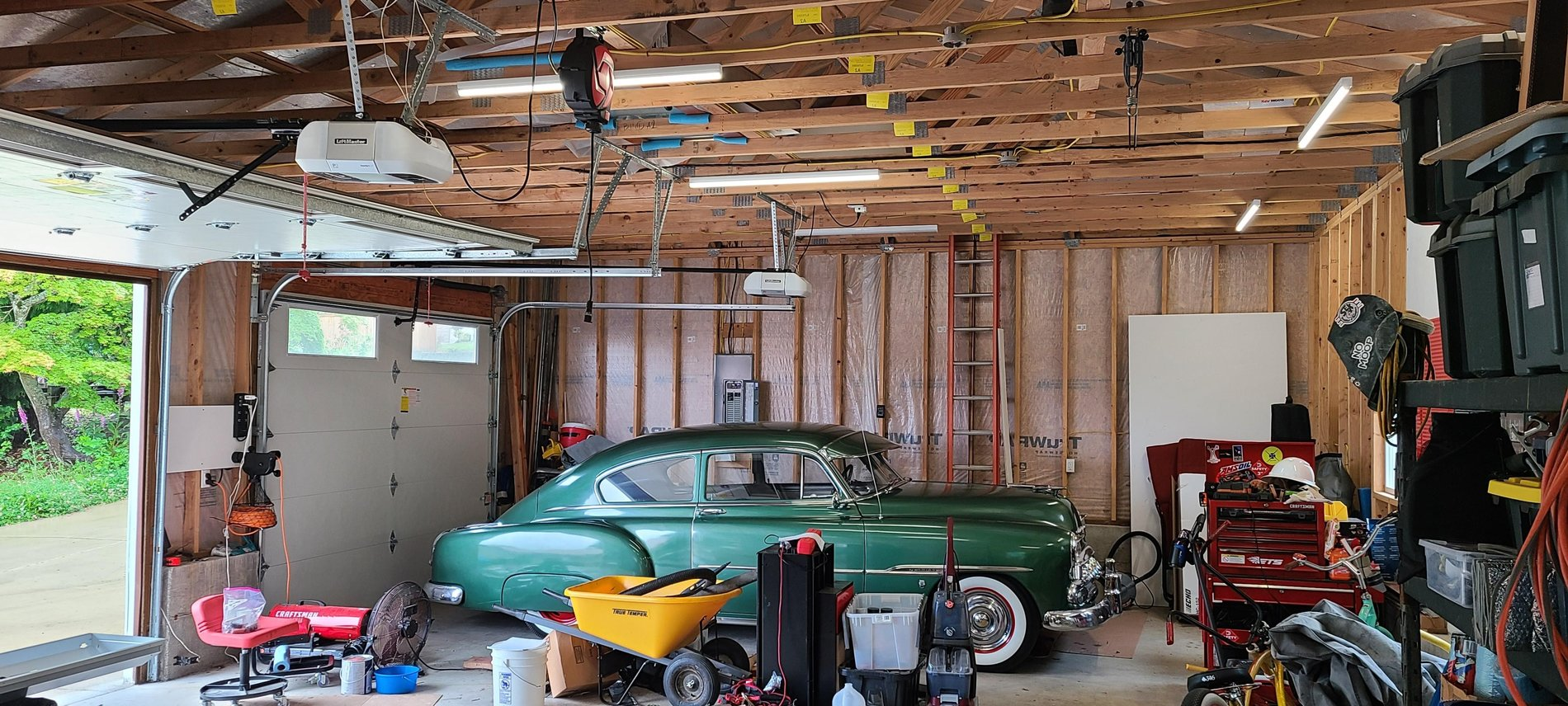 Garage lights before replacement north.jpg
